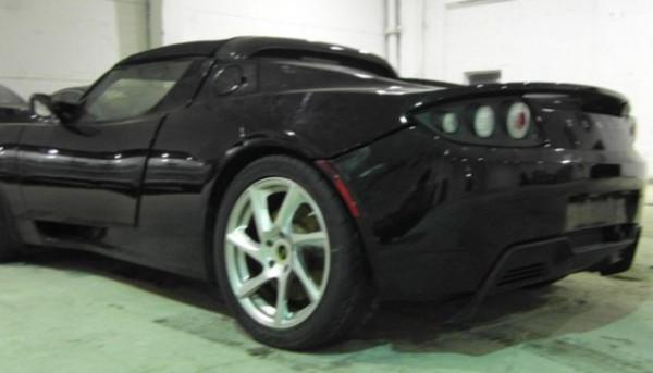 Электрический спорткар Tesla Roadster в Харькове