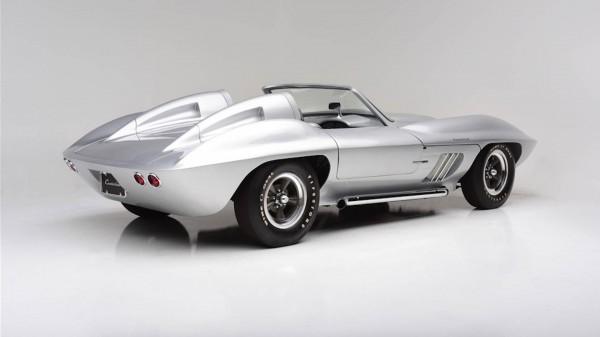 Нааукционе продается раритетный Chevolet Corvette Centurion 1958 модельного года