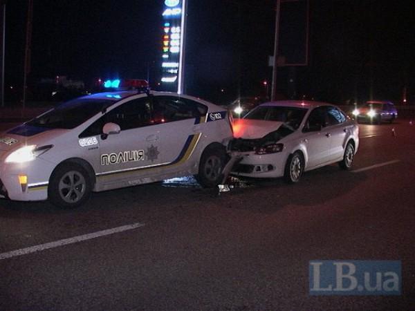 В Киеве водитель врезался в Prius
