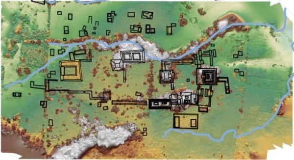 Карта места раскопок. Подковообразное строение слева - площадь дворц