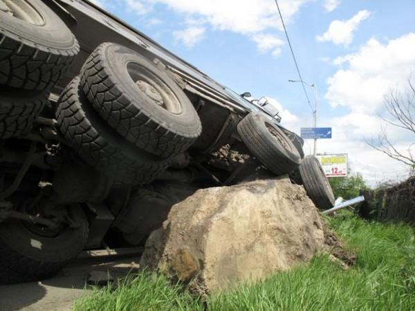 14 мая ул. Заболотного столкнулись грузовики