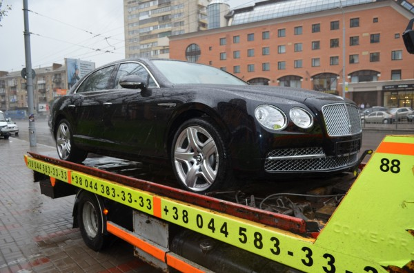 Первый Bentley Continental Flying Spur 2013 года в Киеве