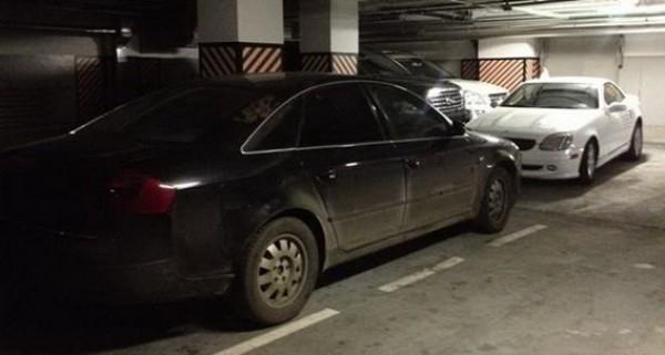 Угнанные машины в гараже