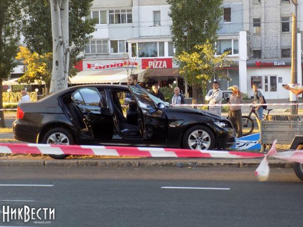 Водитель BMW насмерть сбил четверых дорожников в Николаеве