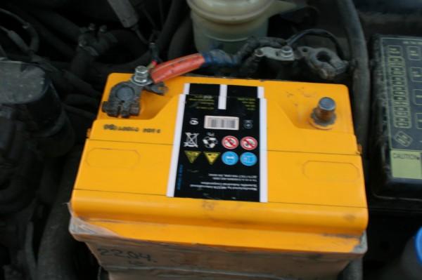 Как заменить аккумулятор на автомобиле Daewoo «LANOS»