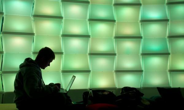 Компьютер можно будет взломать без подключения к сети