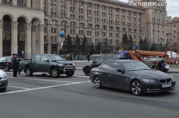 У Mitsubishi L200 поврежден передний бампер в аварии с сыном Порошенко