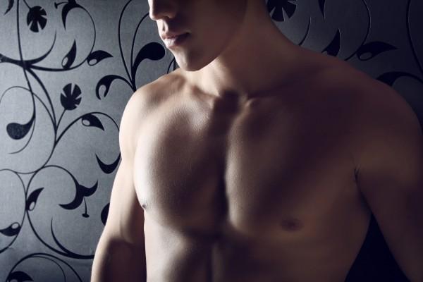 Почему у мужчин растет грудь