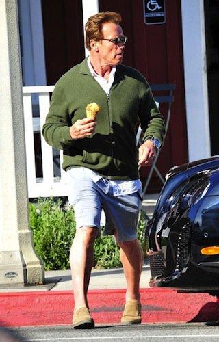 На Bentley Шварценеггер ездит в шортах