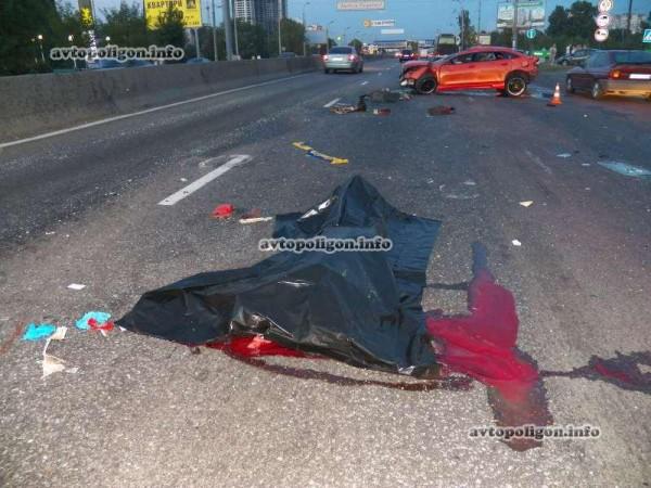 Непристегнутый водитель Мазды вылетел, когда машина перевернулась