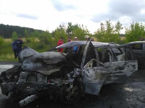 Машины полностью выгорели