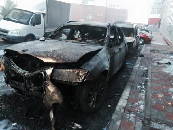 Автомобили выгорели