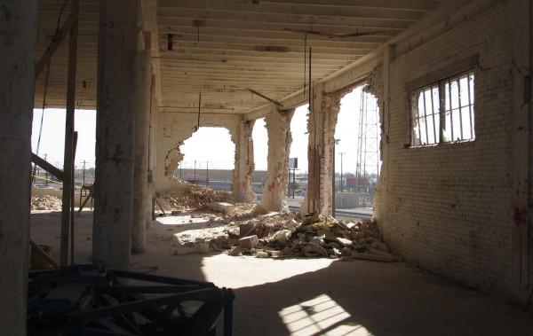 Здание было построено в начале двадцатого века, однако несмотря на это, выдержало испытание