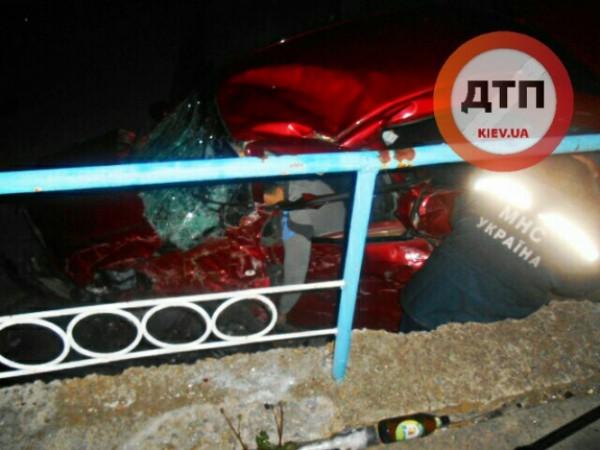 В аварии погибли два человека