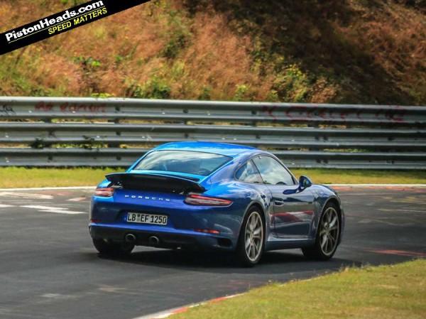 Обновленный Porsche 911