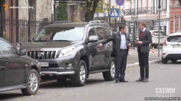 Toyota Land Cruiser Pradoоказался зарегистрирован на Лодочникова Дмитрия