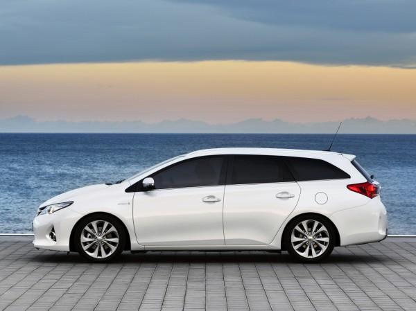 Toyota Auris в кузове универсал