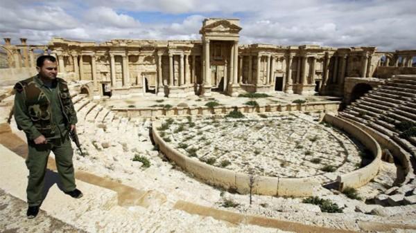 Боевики ИГИЛ разрушили памятники Пальмиры