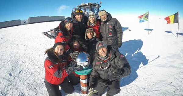 Группа на Южном полюсе