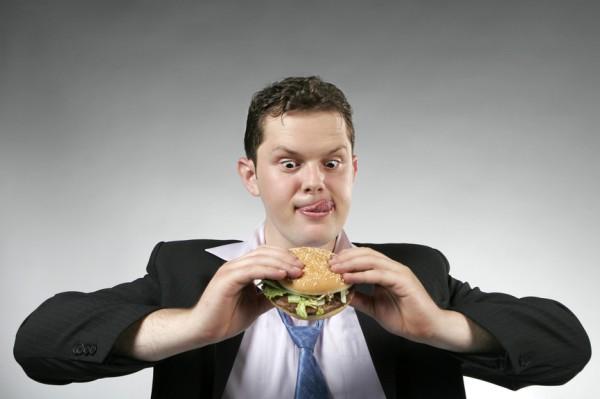 Заедай этил бургерами. Но знай: в них мало витаминов