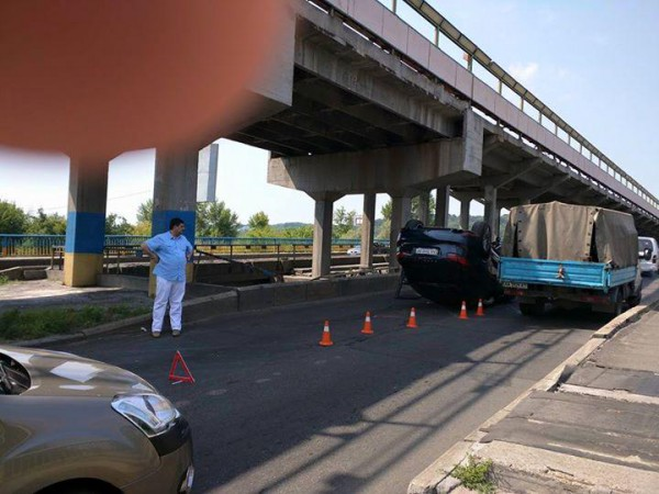Авария на мосту метро