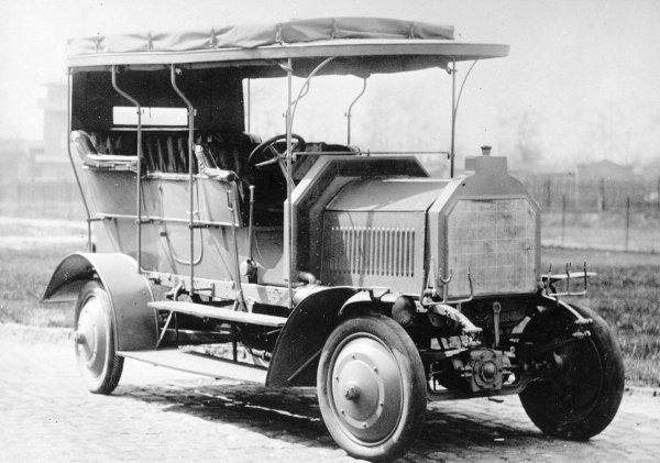 Dernburg-Wagen обладал полноуправляемым шасси