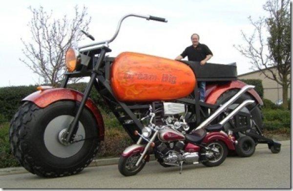 Гигантский мотоцикл