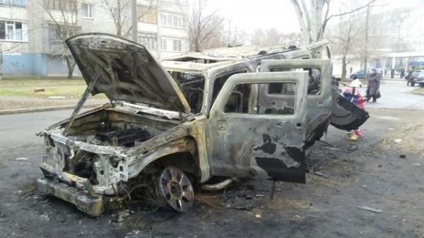 В Запорожье ночью сожгли Hummer