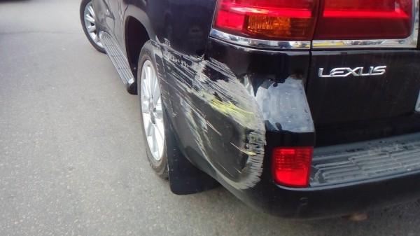 В Деснянском районе Киева водитель иномарки избил маршрутчика