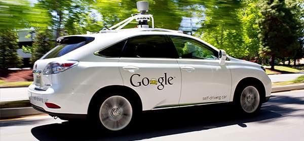 Гугломобиль попал в аварию