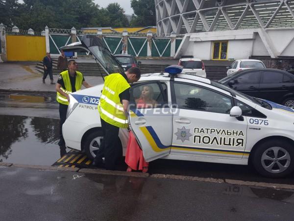 Пьяная девушка на Range Rover разбила три авто
