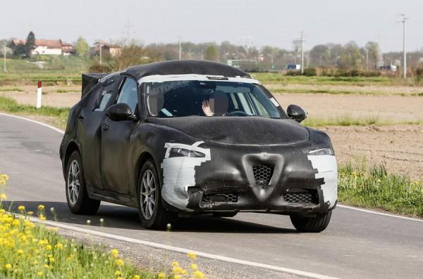 Alfa Romeo вывела на тесты свой первый кроссовер