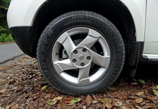 Тест летних шин: испытывали резину на Renault Duster