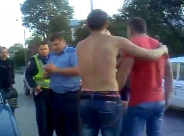 Гаишники утверждают, что водитель и его друг были пьяны