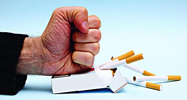 Бросать курить нужно резко