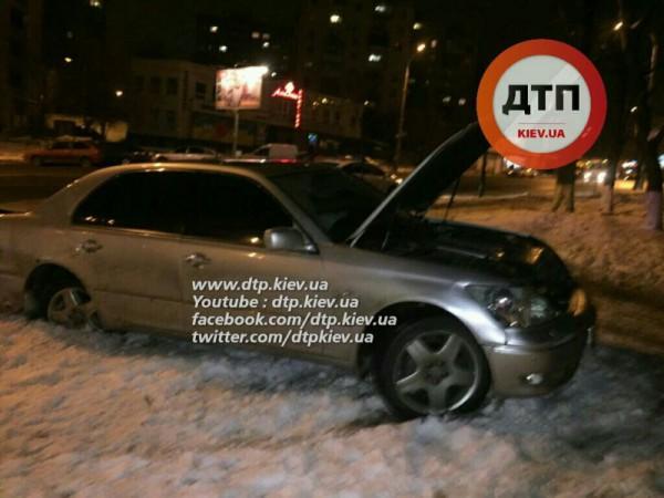 Авария с Lexus в Киеве
