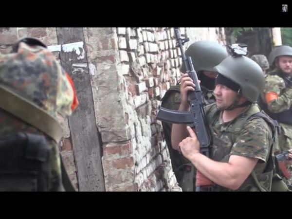 Дзындзя с автоматом на Донбассе (батальон Азов)