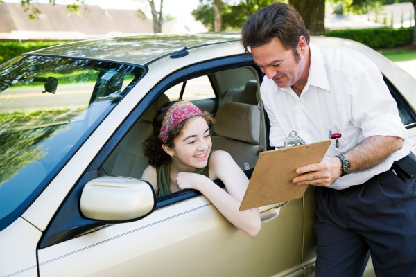 Как сдать вождение в автошколе