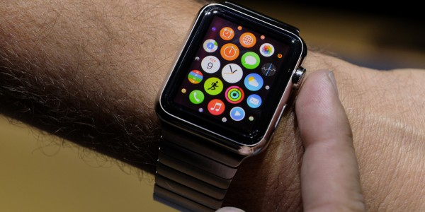 Apple Watch появятся в продаже уже в апреле
