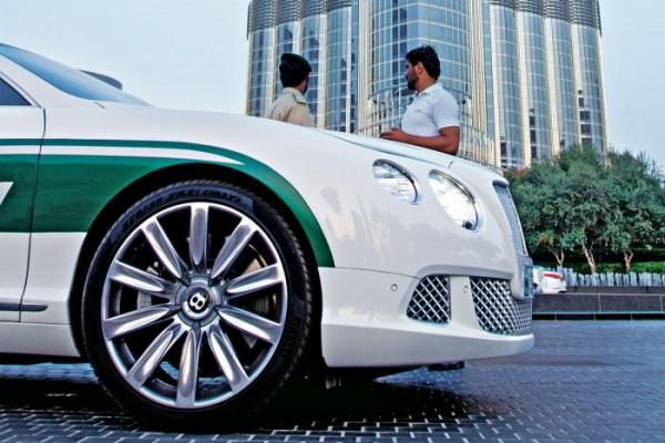 Полицейский Бентли - для Дубая обычное зрелище