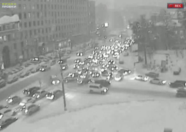 Улица Михаила Грушевского, стадион Динамо