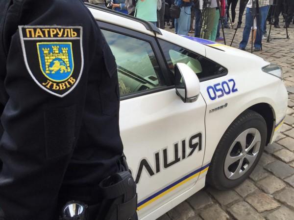 Полицейские задержали гаишника