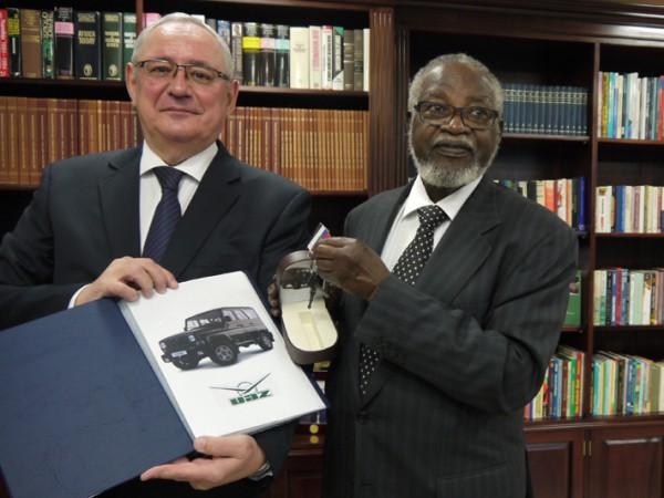 УАЗик для экс-президента Намибии