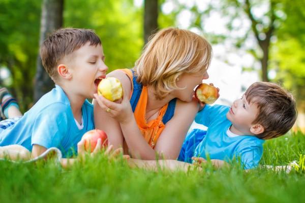 Какова роль ягод и фруктов в детском питании