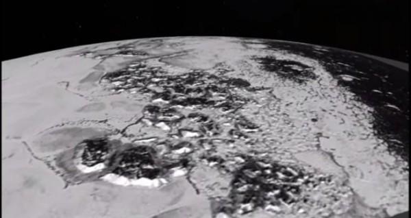 Плутон имеет ледники, которые движутся