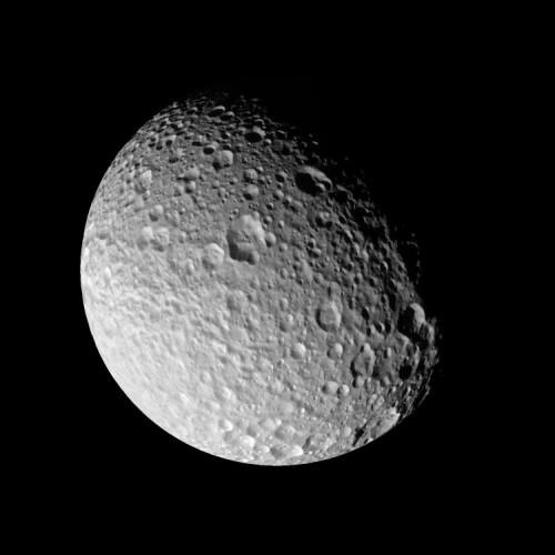 Спутник Сатурна - Мимас