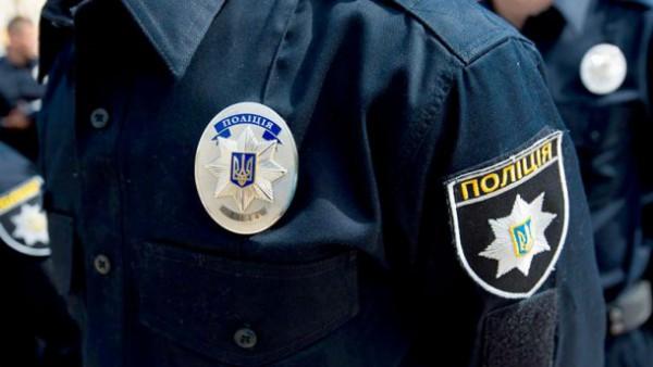 Полицейскую сбили во время проверки документов