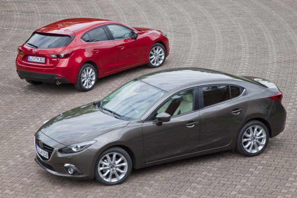 Новая Mazda3 в кузове седан и хэтчбек. Выйдет осенью.