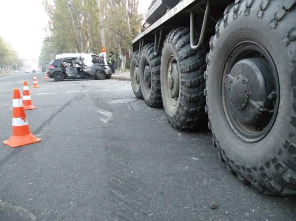 ДТП в Николаеве с участием бронетранспортера