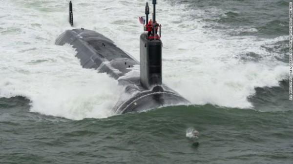 Подводной лодкой можно управлять джойстиком